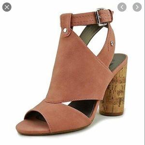 Guess cork block strappy peep toe heels size 9